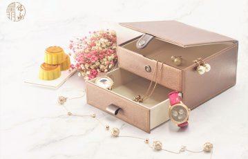 月餅禮盒,只能一味比拼華麗花俏?